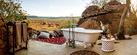 Madikwe Hills Private Game Lodge - Madikwe Game Reserve - Outside Honeymoon Bathroom