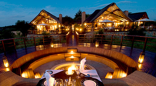 Mateya Safari Lodge - Madikwe Game Reserve - Evening Dining with view of Lodge